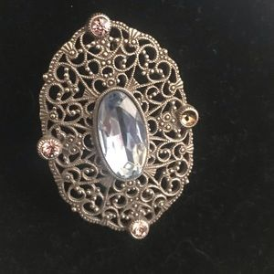 Jewelry - Vintage Filigree Broach